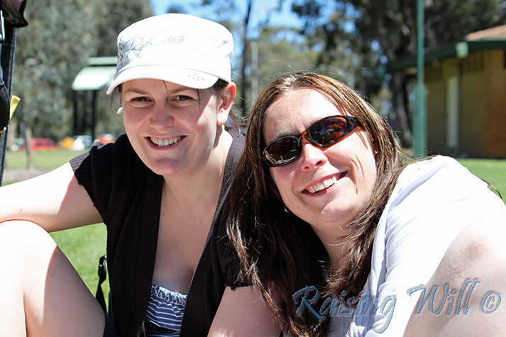 New Mummy Buddies: Georgina & Liv having fun in the sun